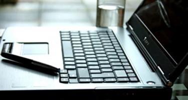 Xử lý laptop khi bị dính nước
