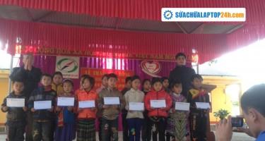 Thiện nguyện trao học bổng cho trẻ em vùng cao Si Ma Cai