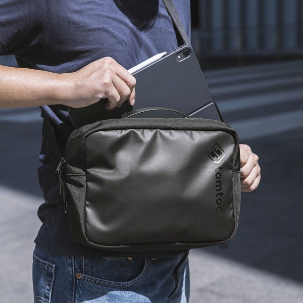 TÚI ĐEO ĐA NĂNG TOMTOC (USA) CROSSBODY FOR TECH ACCESSORIES AND IPAD PRO 11/10.5INCH & TABLET/NOTEBOOK