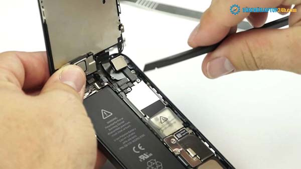 iPhone 5S screen replacement process